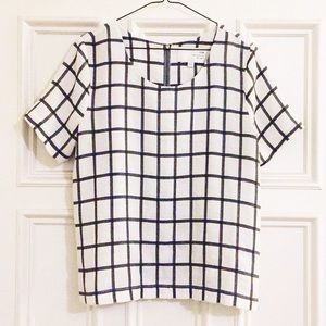 J.O.A white and gray windowpane T-shirt blouse